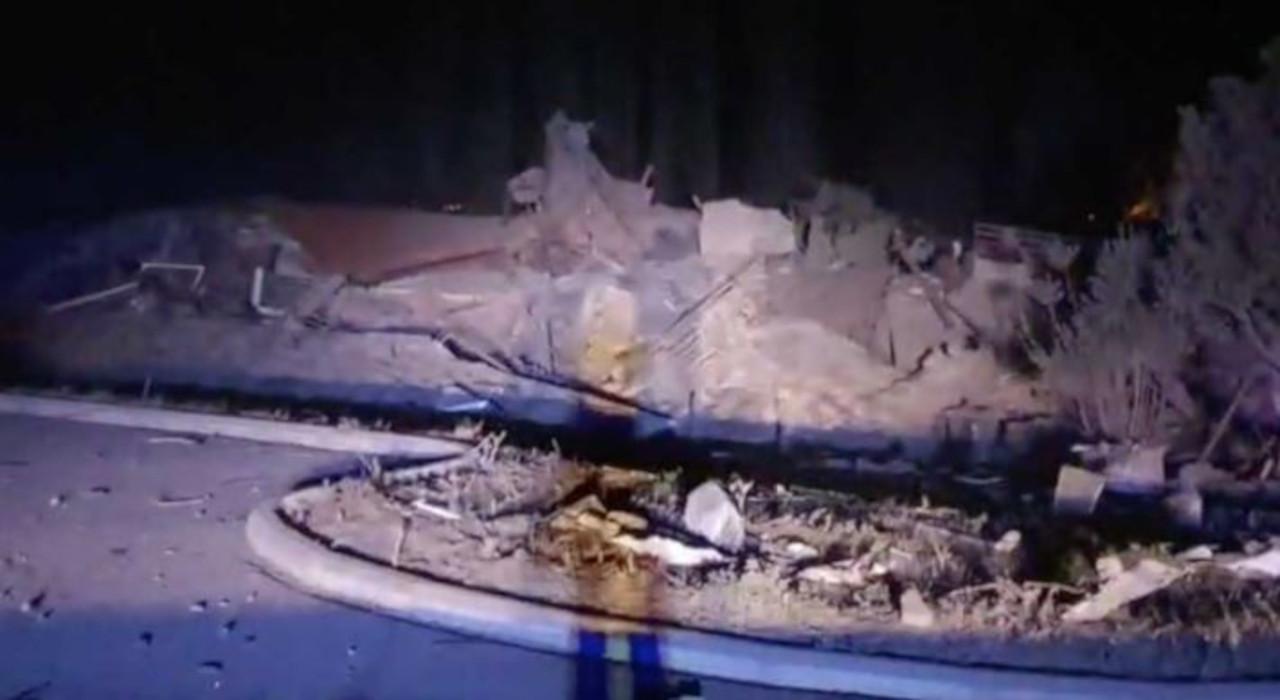 Διαλυμένο ξενοδοχείο από έκρηξη