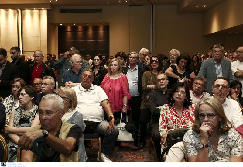 Τα μέλη της ΚΕ του ΣΥΡΙΖΑ -Αριστερά, πρώτο πλάνο ο Κώστας Ζουράρις