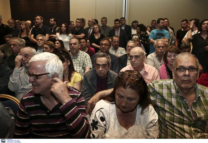 Εμφανής η αμηχανία των στελεχών του ΣΥΡΙΖΑ στην ΚΕ