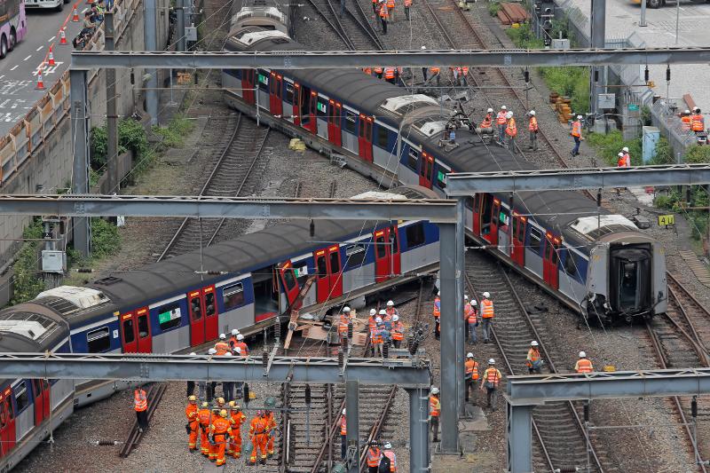 Ο συρμός του μετρό που εκτροχιάστηκε
