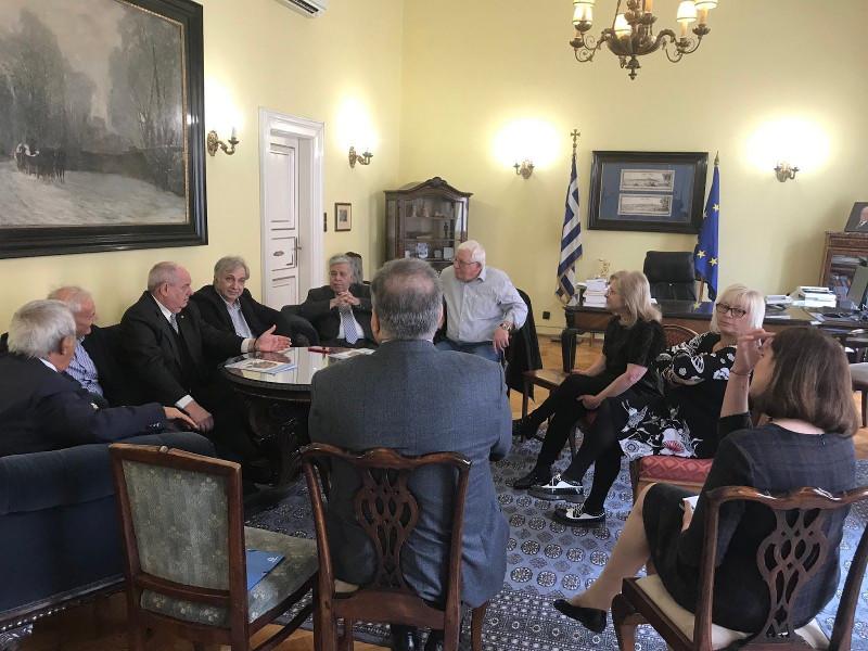 Η συνάντηση του Τέρενς Κουίκ με τους ομογενείς της Ουγγαρίας