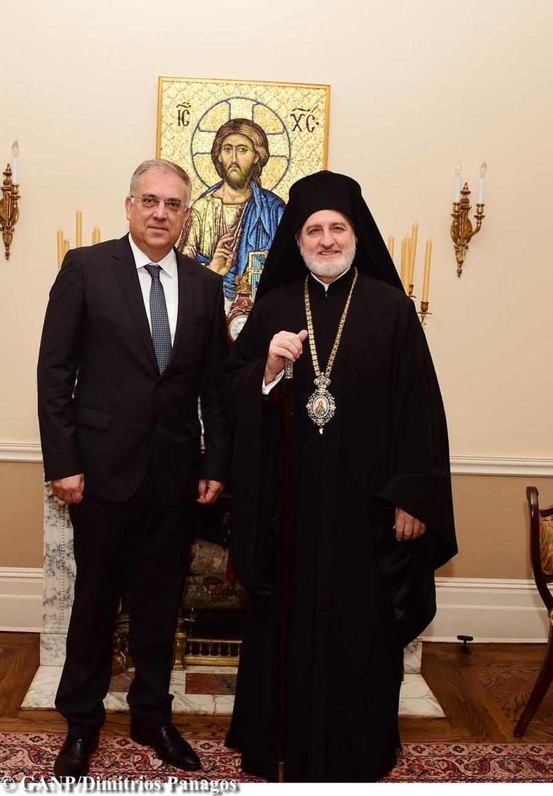 Ο ΥΠΕΣ Τάκης Θεοδωρικάκος με τον αρχιεπίσκοπο Αμερικής κ. Ελπιδοφόρο
