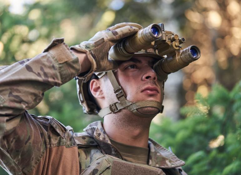 H Theon Sensors σε συνεργασία με την Harris Night Vision USA θα κατασκευάσει τα δίκυαλα νυχτερινής όρασης που θα φορούν οι Αμερικανοί πεζοναύτες