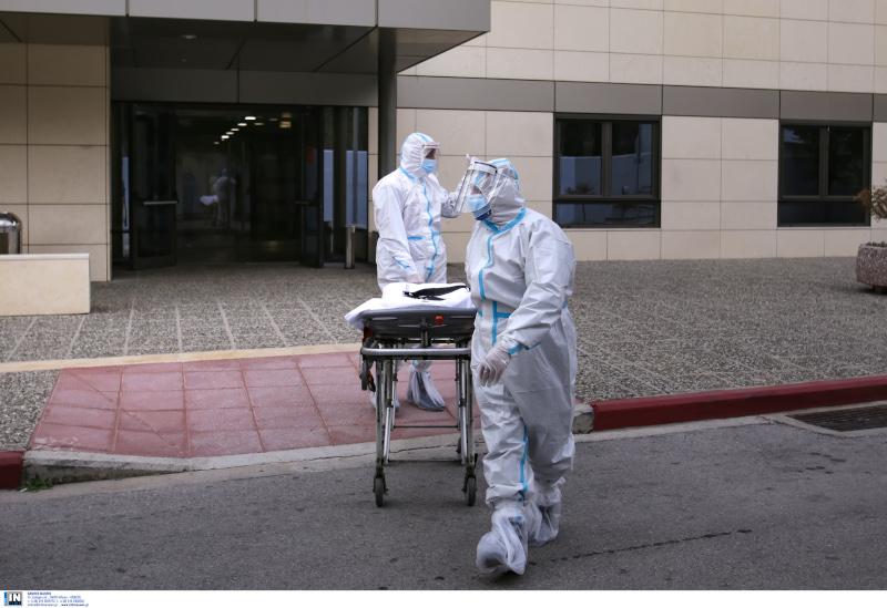 Διακομιδή ασθενών Covid-19 στην επιταχθείσα κλινική