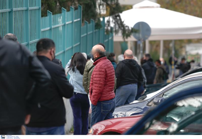 Θεσσαλονίκη: Ουρά για rapid test στο ΑΧΕΠΑ