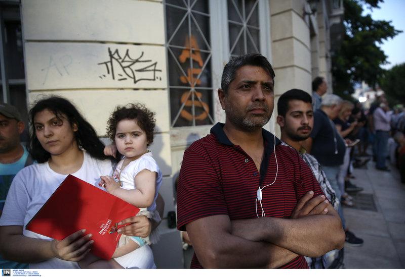 Μετανάστες στην συγκέντρωση Τσίπρα στην πλ. Ασωμάτων
