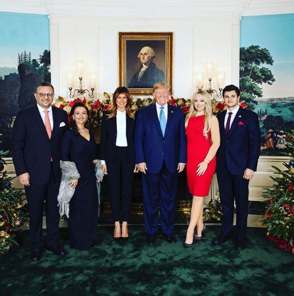 οικογένεια του Μάικλ Μπούλος με τον Αμερικανό πρόεδρο, την Μελάνια Τραμπ και την Τίφανι, στον Λευκό Οίκο