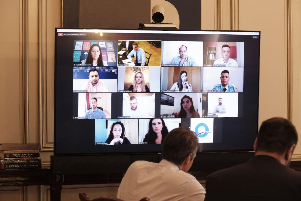 Διαδικτυακή συζήτηση του Κυριάκου Μητσοτάκη με νέους στην πρώτη γραμμή της πανδημίας
