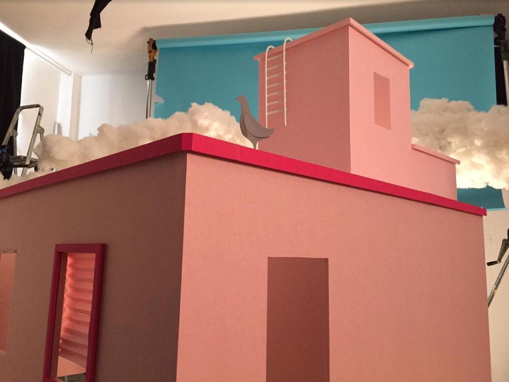 Με ένα εντυπωσιακό τρέιλερ, ο ΣΚΑΙ μας συστήνει τους πρώτους ενοίκους της Πολυκατοικίας