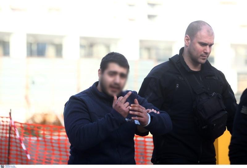 Ο 21χρονος Ροδίτης κατά την μεταγωγή του στο δικαστήριο