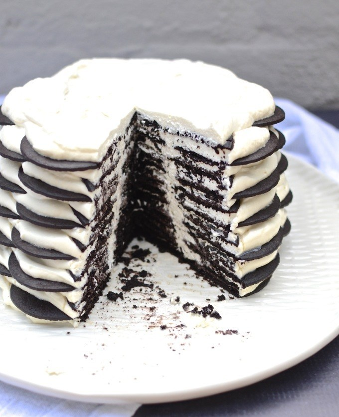 Εύκολη τούρτα με μόνο τρία υλικά