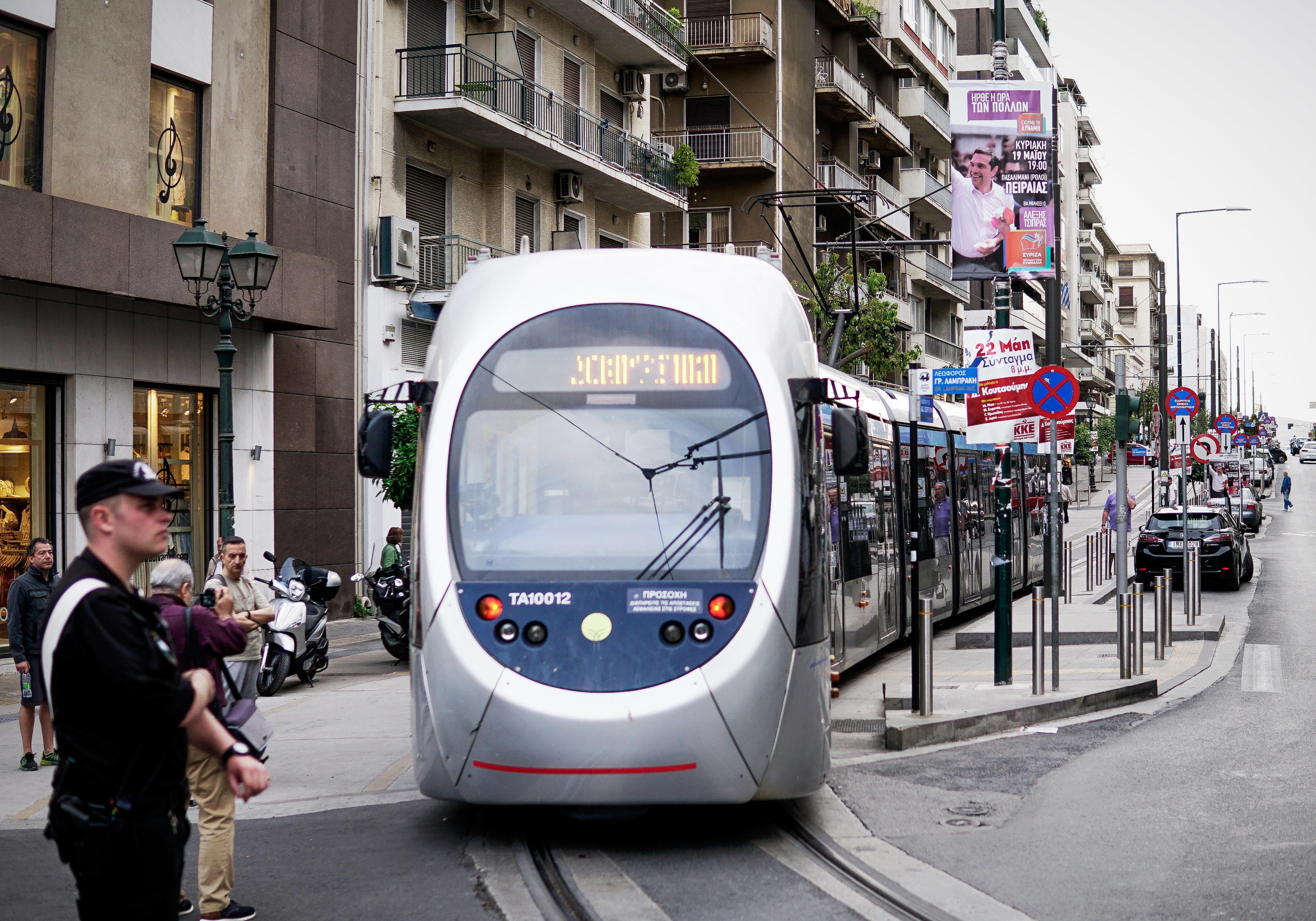 Δοκιμαστική διέλευση του τραμ στον Πειραιά την Κυριακή 19 Μαΐου 2019
