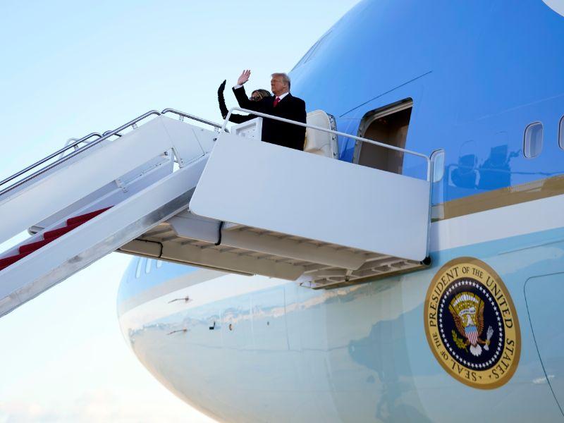 Η επιβίβαση Τραμπ και Μελάνια στο Air Force One