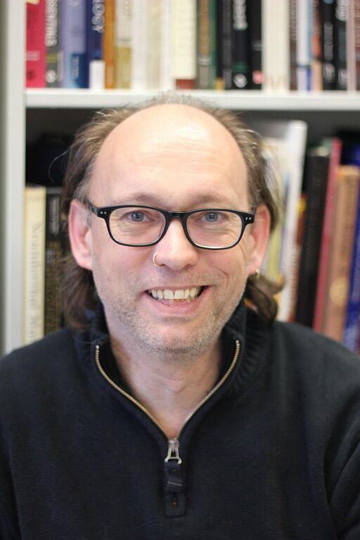 O αγγλικής καταγωγής αναπληρωτής καθηγητής Τρίσταν Κάρτερ του Τμήματος Ανθρωπολογίας του καναδικού Πανεπιστημίου ΜακΜάστερ