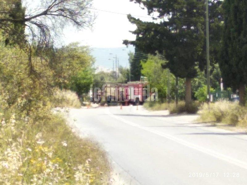 πυροσβεστικό όχημα στο σημείο του δυστυχήματος