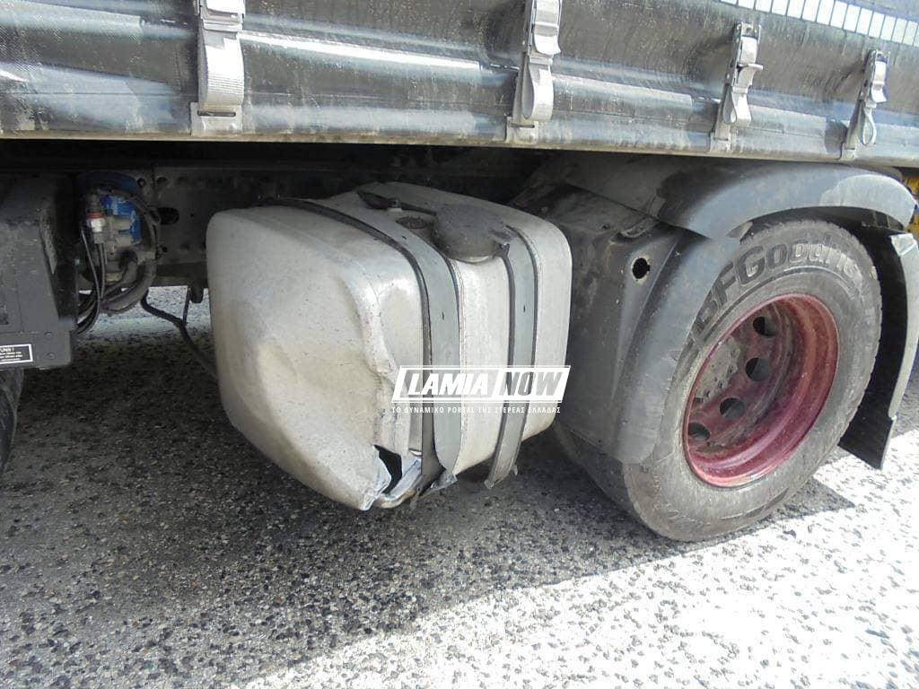 Το φορτηγό στη Λαμία που ενεπλάκη στο τροχαίο ατύχημα