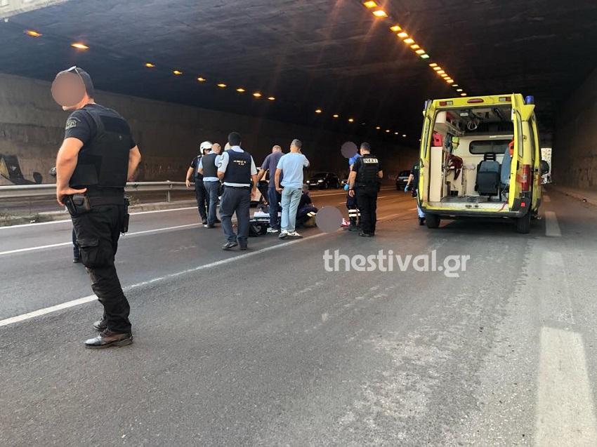 Ένας 40χρονος πήδηξε από την αερογέφυρα και έπεσε πάνω σε έναν μοτοσικλετιστή