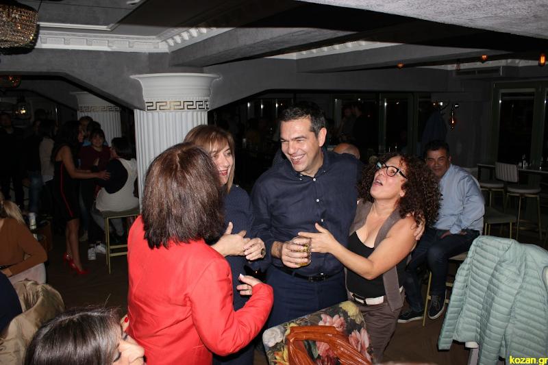 Ο Αλέξης Τσίπρας σε μπαρ της Κοζάνης
