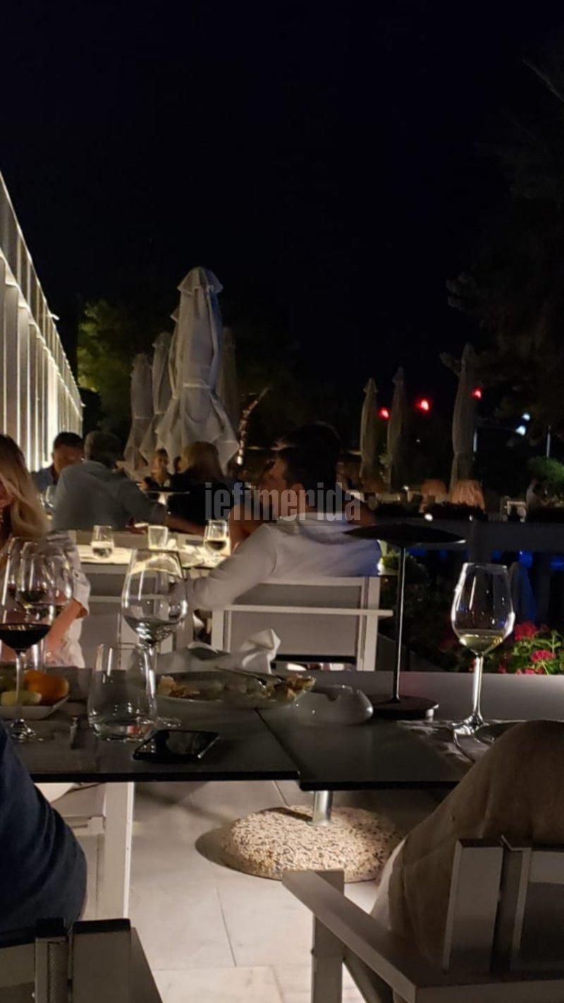 Ο Αλέξης Τσίπρας σε εστιατόριο