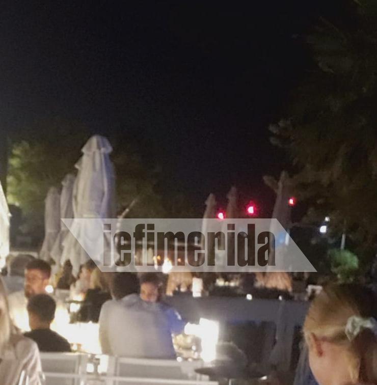 Αλέξης Τσίπρας και Περιστέρα Μπαζιάνα σε εστιατόριο στη Θεσσαλονίκη