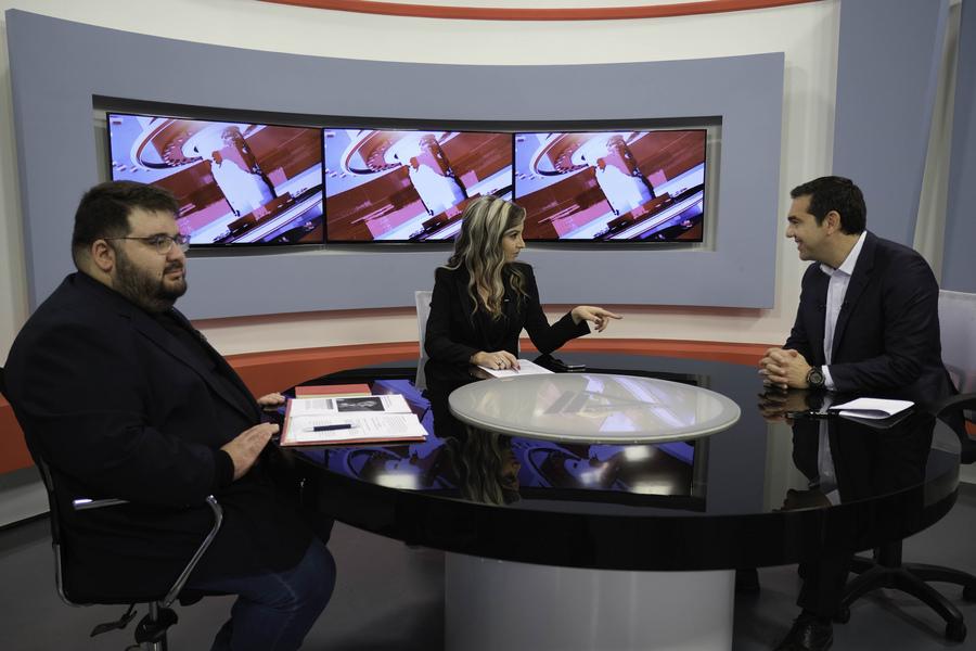 Ο Αλέξης Τσίπρας στην τηλεόραση ΔΕΛΤΑ της Αλεξ/πολης με τους Χριστίνα Κουματζίδου, Α. Τελόπουλο -