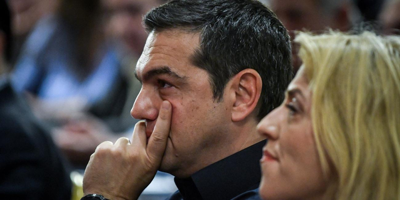 Ο Αλέξης Τσίπρας με την Ρένα Δούρου στην ΚΕ του ΣΥΡΙΖΑ