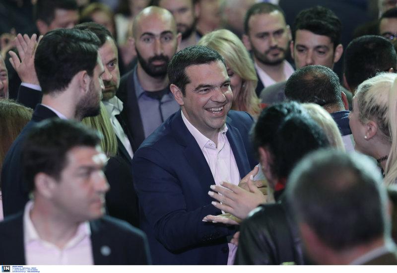 Ο Αλέξης Τσίπρας μπαίνει στην εκδήλωση