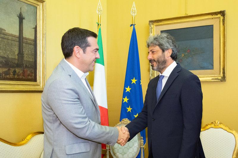 Ο Αλέξης Τσίπρας με τον πρόεδρο του ιταλικού κοινοβουλίου Ρομπέρτο Φίκο
