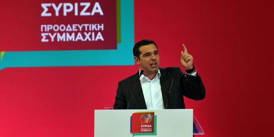 Ο Αλέξης Τσίπρας στο βήμα στην εκδήλωση του ΣΥΡΙΖΑ στην Καλαμάτα -Φωτογραφία: ΑΠΕ ΜΠΕ/ΝΙΚΗΤΑΣ ΚΩΤΣΙΑΡΗΣ