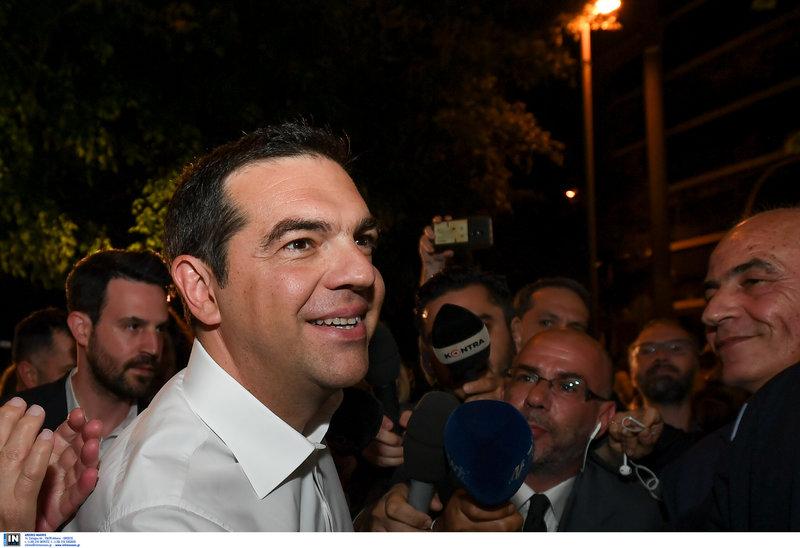 Ο Αλέξης Τσίπρας δεν έκανε δηλώσεις μπαίνοντας στα κεντρικά γραφεία του ΣΥΡΙΖΑ