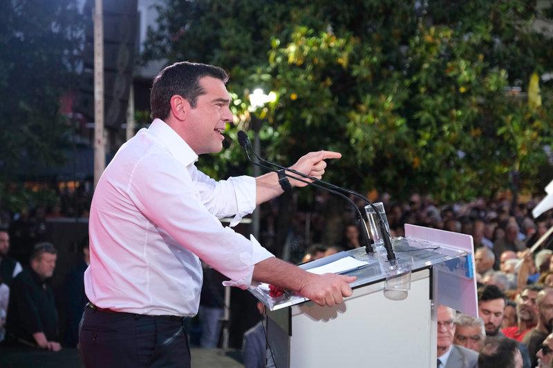 Ο Αλέξης Τσίπρας μιλά στη Λάρισα