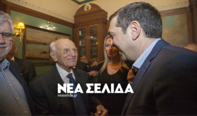 Ο Αλέξης Τσίπρας με τον Αντώνη Λιβάνη στην ονομαστική εορτή του εκλιπόντος τον περασμένο Ιανουάριο -Φωτογραφία: ΝΕΑ ΣΕΛΙΔΑ