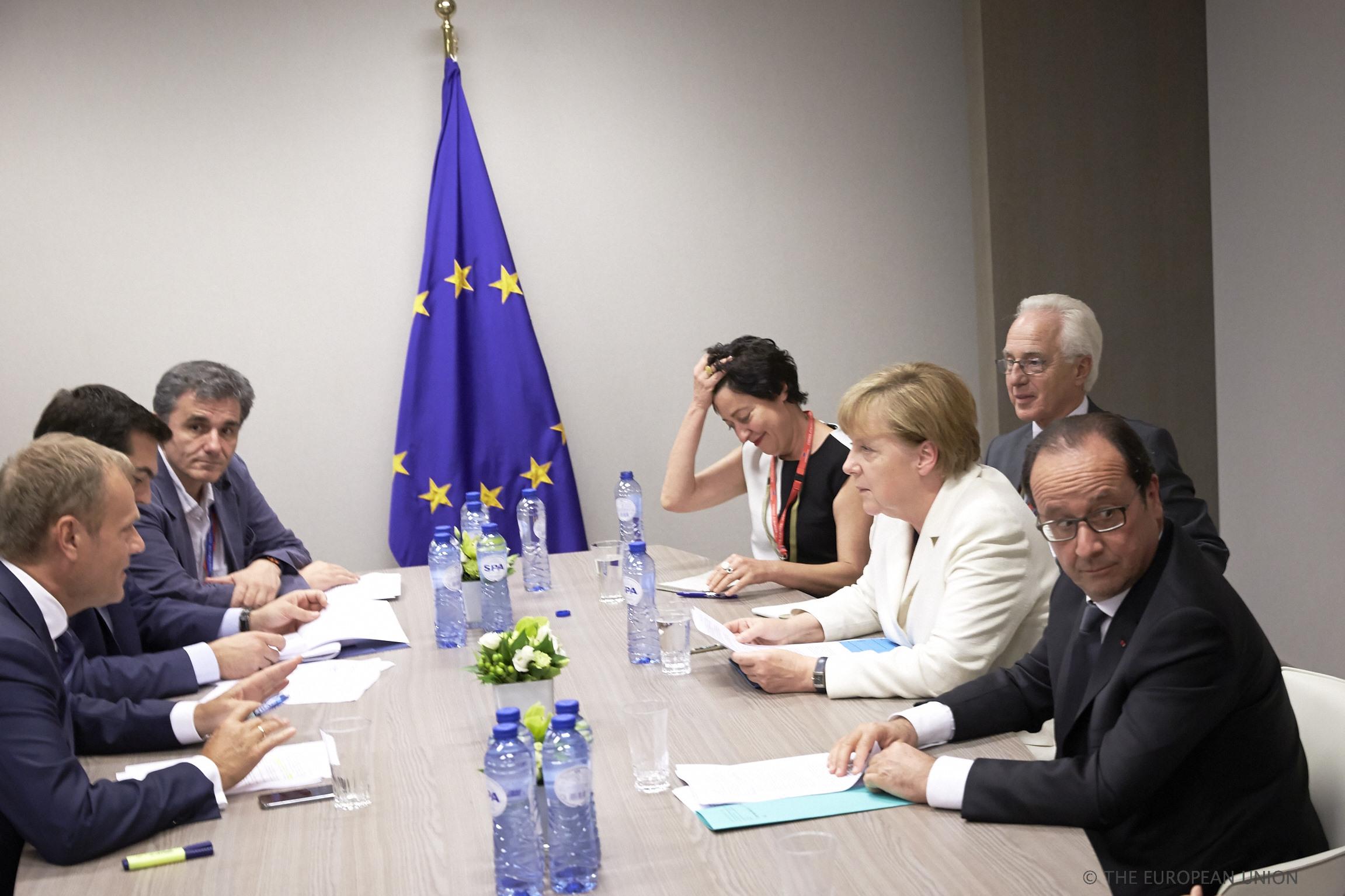 Η συνάντηση Τσίπρα με Μέρκελ, Ολάντ και Τουσκ κατά τη διάρκεια της διακοπής της Συνόδου Κορυφής