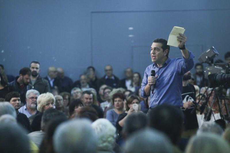Ο Αλέξης Τσίπρα μιλά στην ανοικτή εκδήλωση του ΣΥΡΙΖΑ στη Νίκαια