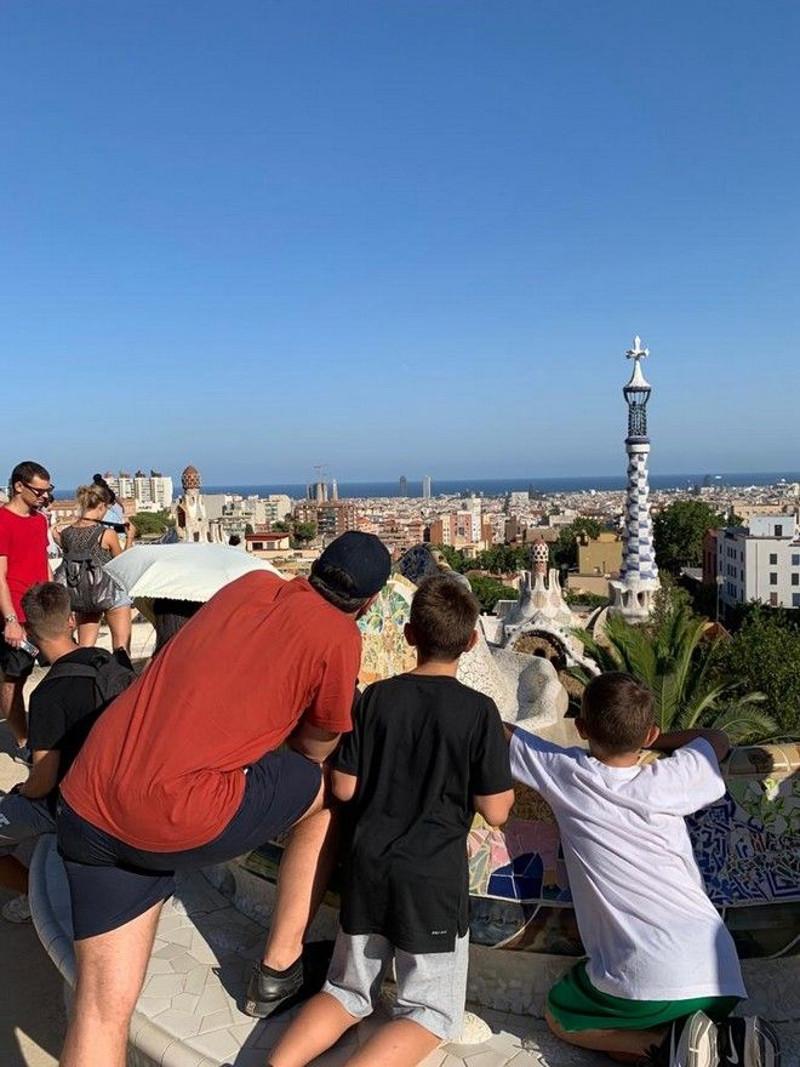 Ο Αλέξης Τσίπρας οικογενειακώς στην Βαρκελώνη