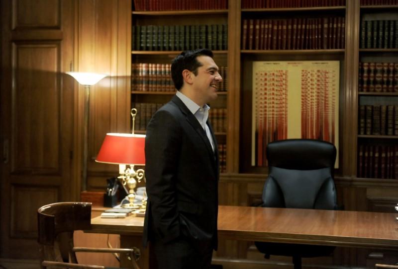 Πίνακα του Κωνσταντίνου Ξενάκη είχε ο Αλέξης Τσίπρας ως πρωθυπουργός, στο γραφείο του στο Μαξίμου