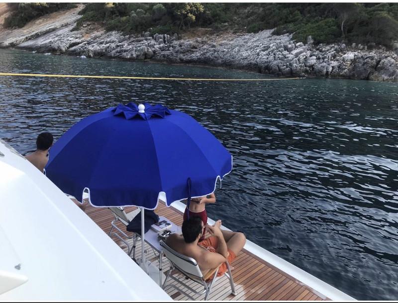 Φωτογραφία του Αλέξη Τσίπρα στο ντέκ του σκάφους