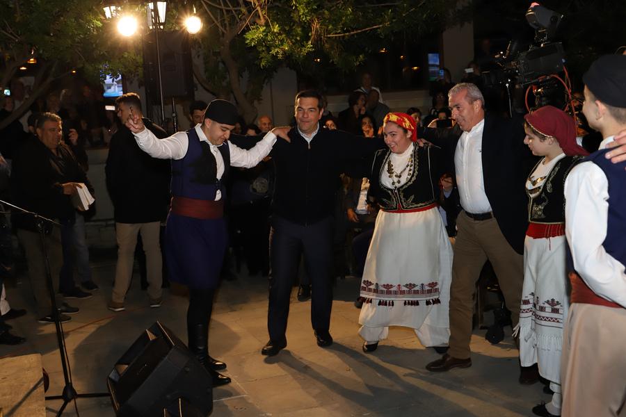Ο πρωθυπουργός χορεύει