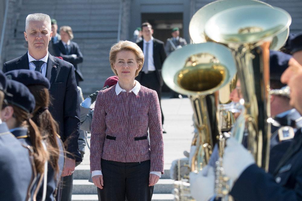 Επειτα από μια σειρά από υπουργικές θέσεις στη Γερμανία, η φον ντερ Λάιεν αναλαμβάνει πρόεδρος της Κομισιόν