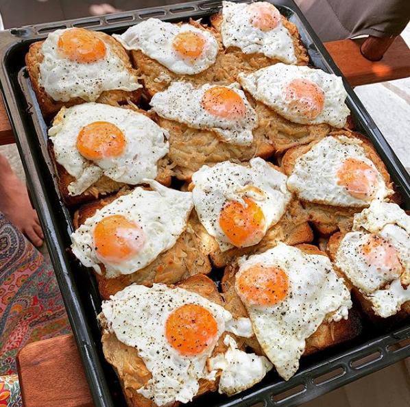 Η καλή νοικοκυρά Δέσποινα Βανδή έφτιαξε πρωινό για όλους