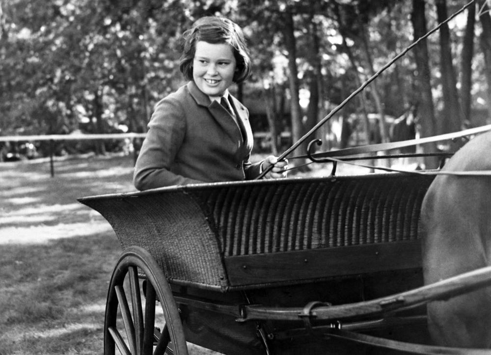 Η Γκλόρια Βάντερμπιλτ μεγάλωσε μέσα στα πλούτη καθώς η οικογένειά της ήταν από τις πιο ξακουστές της Αμερικής