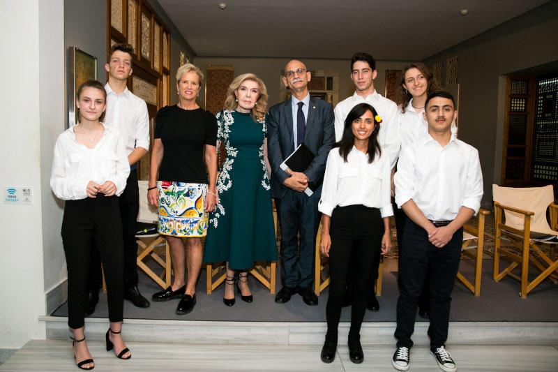 Kerry Kennedy, Μαριάννα Β. Βαρδινογιάννη, Ιορδάνης Παπαδόπουλος με τους μαθητές των σχολείων
