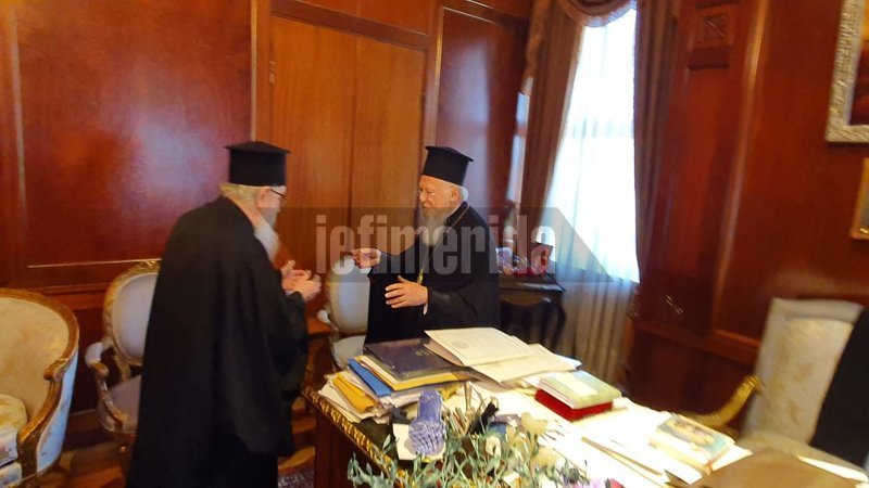 O Βαρθολομαίος υποδέχεται τον αρχιεπίσκοπο Δημήτριο