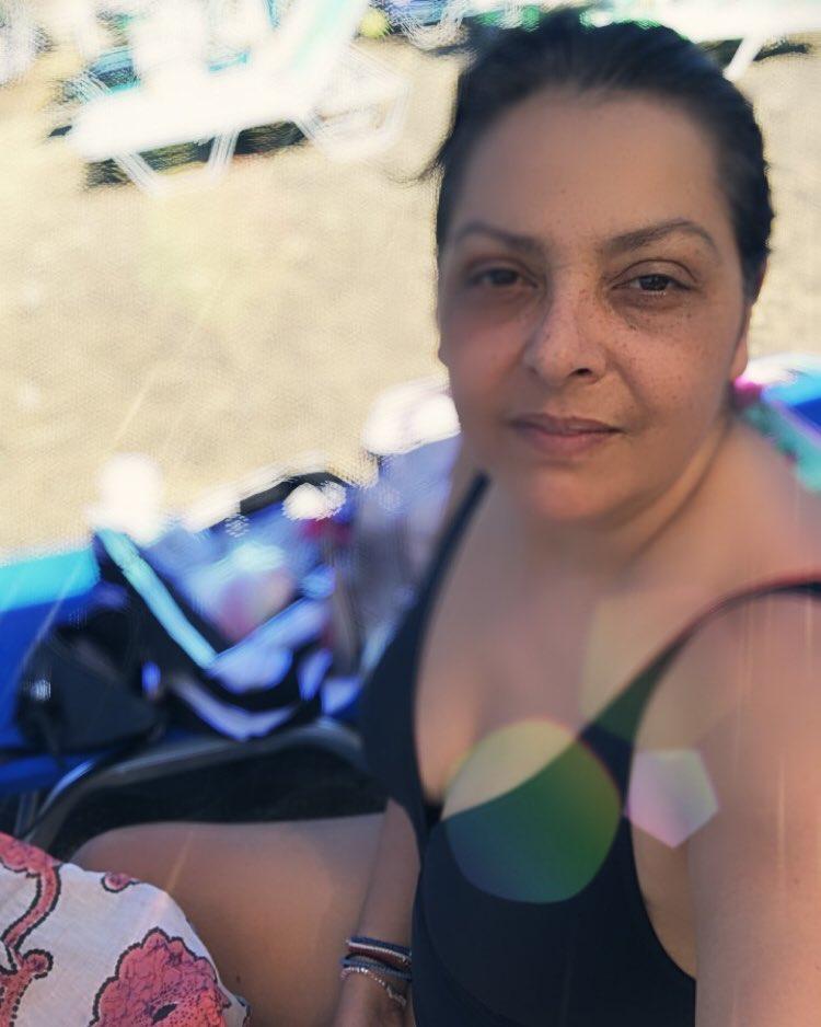 Βασιλική Ανδρίτσου με μαγιό στην παραλία