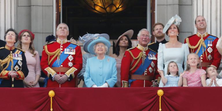 Ο Κάρολος θέλει μικρότερη βασιλική οικογένεια, ο Αντριου άθελά του τον βοηθάει