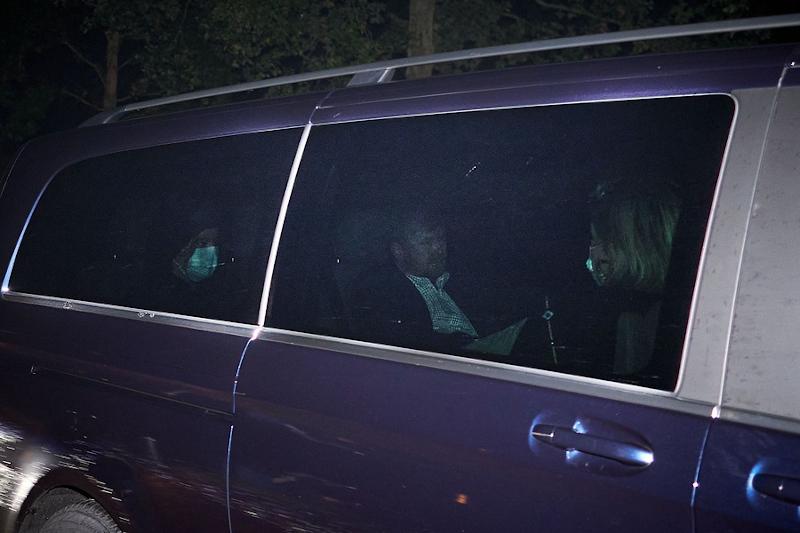 Η βασιλική οικογένεια της Ολλανδίας επιστρέφει στο παλάτι της στην Χάγη το Σάββατο το απόγευμα