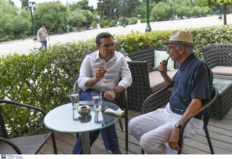 Αλέξης Τσίπρας Βασίλης Βασιλικός πίνουν καφέ