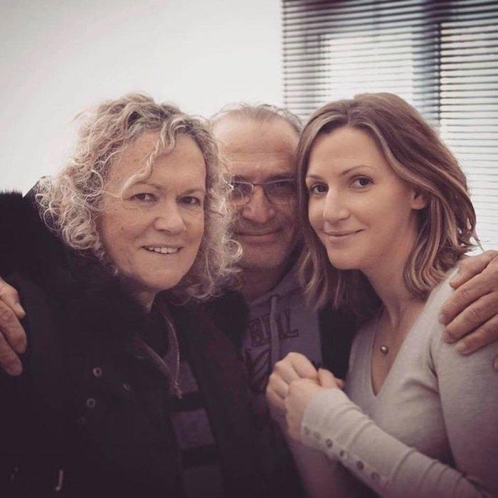 Ο Βασίλης Καϊλας με την σύζυγό και την κόρη τους
