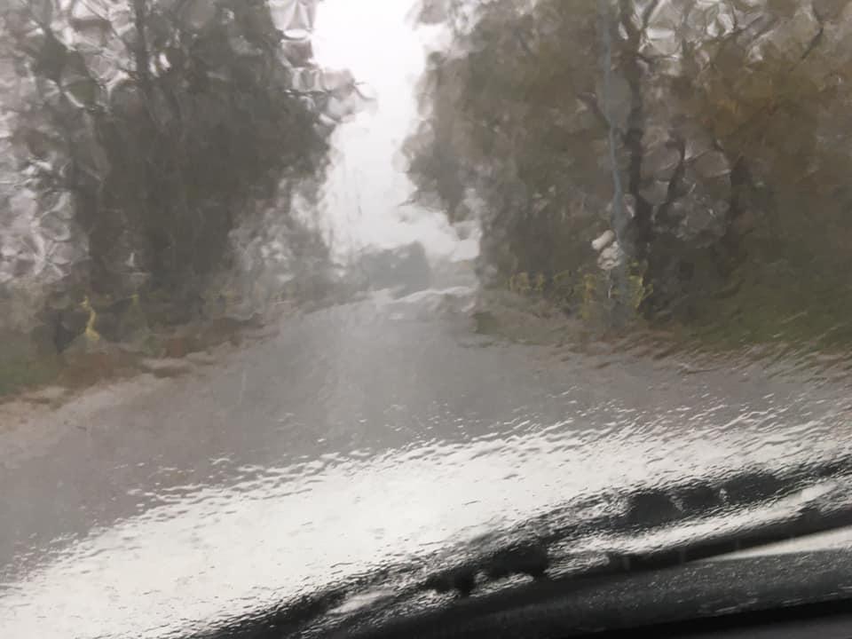 δυνατη βροχη