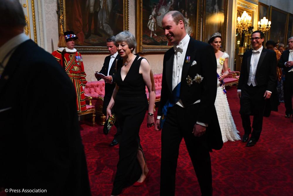 Ο πρίγκιπας Γουίλιαμ με την πρωθυπουργό του Ηνωμένου Βασιλείου, Τερέζα Μέι